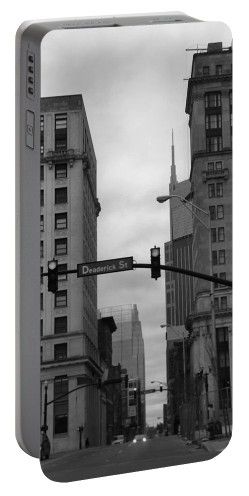 Downtown Nashville In Black And White Portable Battery Charger featuring the photograph Downtown Nashville In Black And White by Dan Sproul
