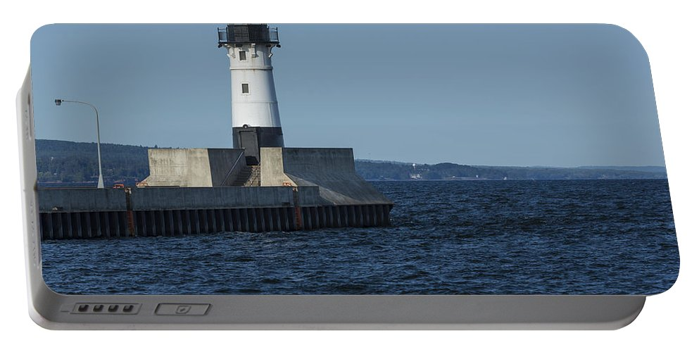 Lighthouse Portable Battery Charger featuring the photograph Duluth N Pier Lighthouse 40 by John Brueske