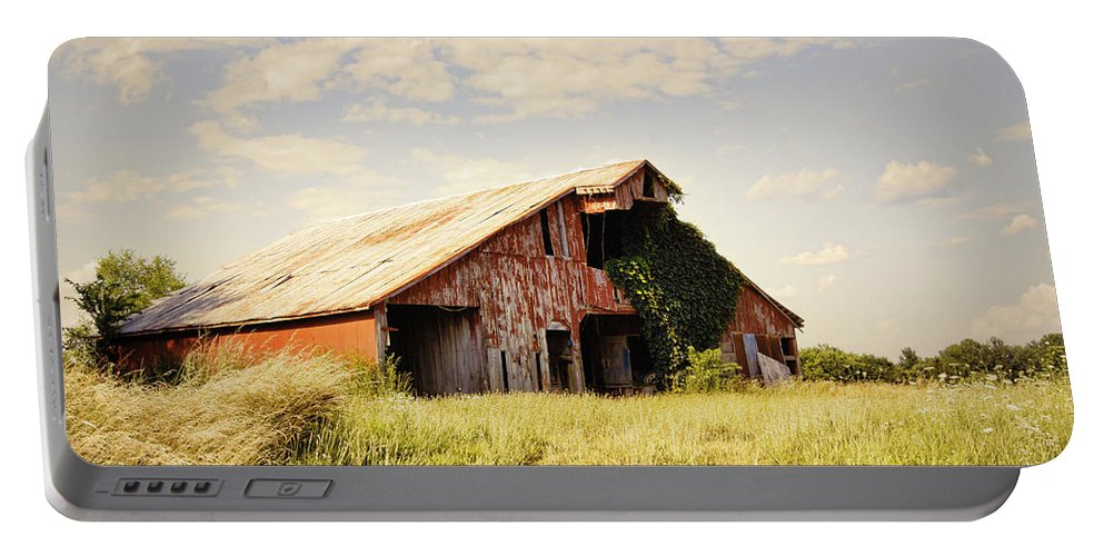 Barn Portable Battery Charger featuring the photograph Englewood Barn by Cricket Hackmann