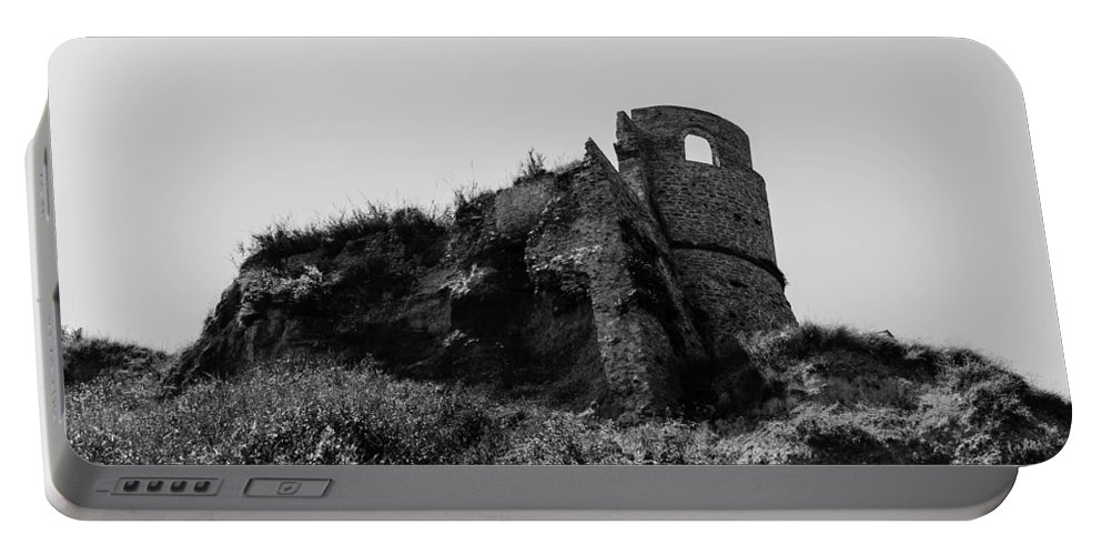 Abruzzo Portable Battery Charger featuring the photograph Italian Landscapes - Epicus Furor by Andrea Mazzocchetti