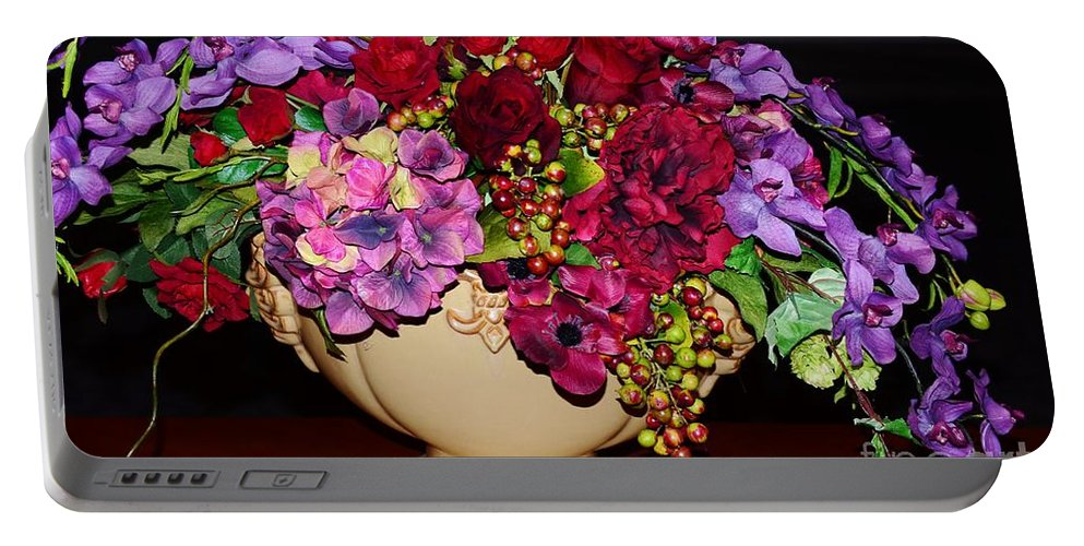 Fall Portable Battery Charger featuring the photograph Fall Centerpiece by Kathleen Struckle