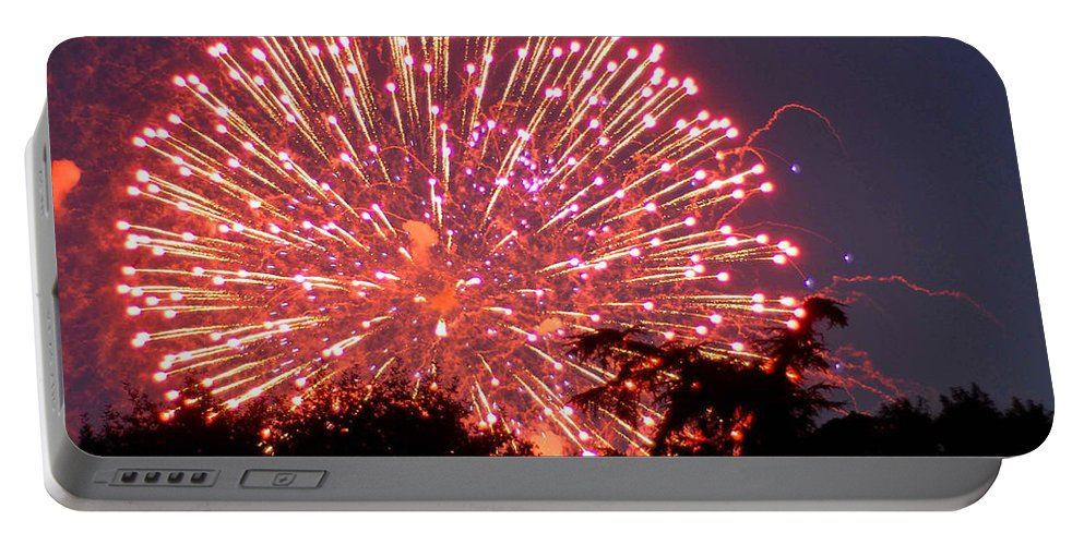 Fireworks Portable Battery Charger featuring the photograph Fireworks 2014 1 by Wesley Farnsworth