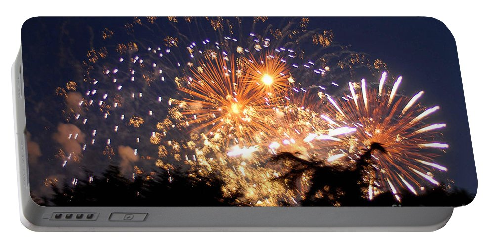 Fireworks Portable Battery Charger featuring the photograph Fireworks 2014 7 by Wesley Farnsworth