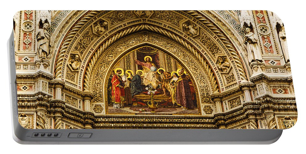 Santa Maria Del Fiore Portable Battery Charger featuring the photograph Florence - Santa Maria Del Fiore by Jon Berghoff