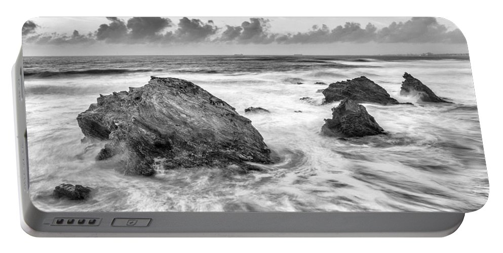 Landscape Portable Battery Charger featuring the photograph Flow by Jose Bispo