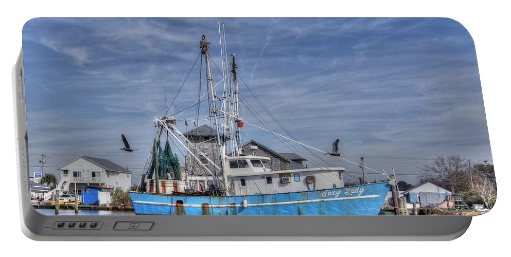 Cedar Point North Carolina Portable Battery Charger featuring the photograph Shrimp Boat At Port by Benanne Stiens