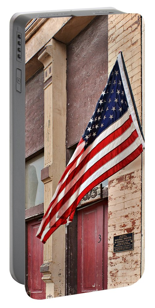 Plattsmouth Portable Battery Charger featuring the photograph Gallantly Streaming by Nikolyn McDonald
