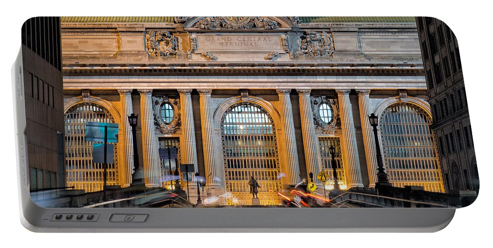 Grand Central Terminal Portable Battery Charger featuring the photograph Gct From Park Ave by Jerry Fornarotto