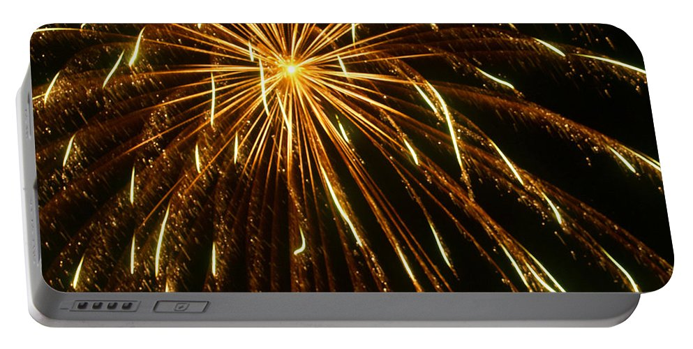Fireworks Portable Battery Charger featuring the photograph Golden Burst by Ray Konopaske