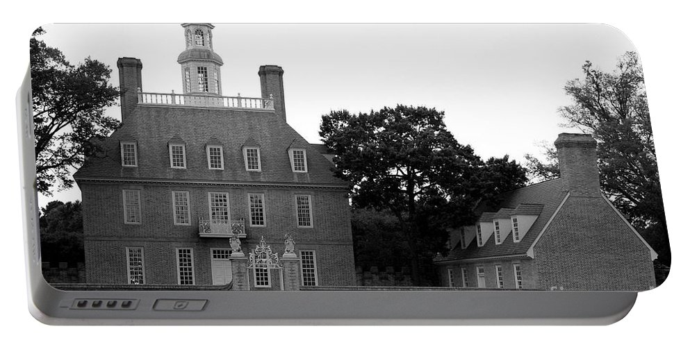 Governers Palace Portable Battery Charger featuring the photograph Governers Palace Colonial Williamsburg by Christiane Schulze Art And Photography