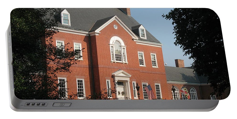 Governers Ome Portable Battery Charger featuring the photograph Governor House Annapolis by Christiane Schulze Art And Photography