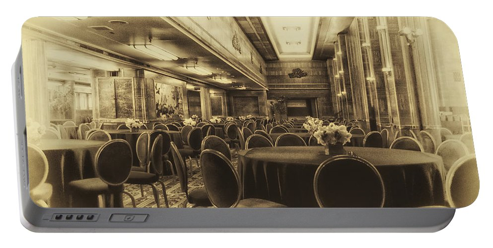 Queen Mary Portable Battery Charger featuring the photograph Grand Salon 05 Queen Mary Ocean Liner Heirloom by Thomas Woolworth