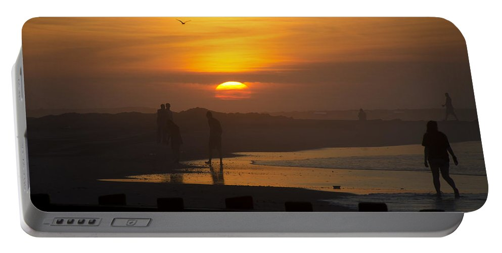 Greeting Portable Battery Charger featuring the photograph Greeting The Sunrise by Bill Cannon