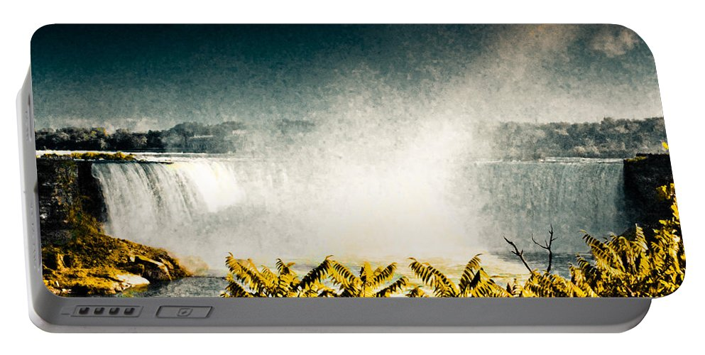 Canada Portable Battery Charger featuring the photograph Grunge Niagara by Eti Reid