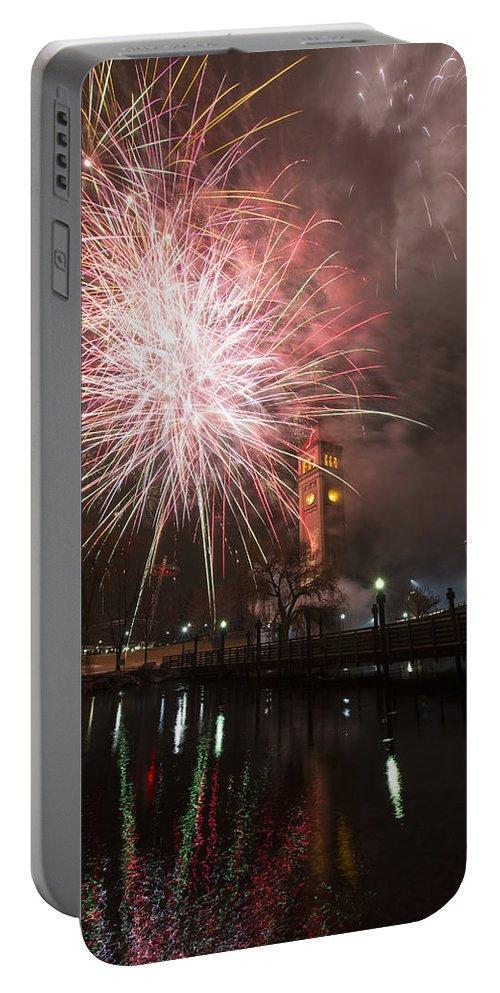 Fireworks Portable Battery Charger featuring the photograph Happy New Year 2014 B by Paul DeRocker