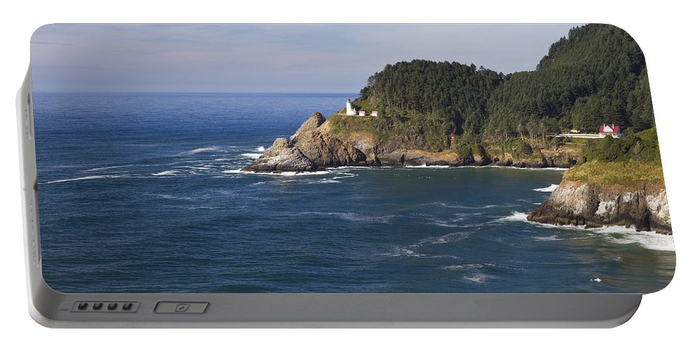 Heceta Portable Battery Charger featuring the photograph Heceta Head Lighthouse 2 B by John Brueske