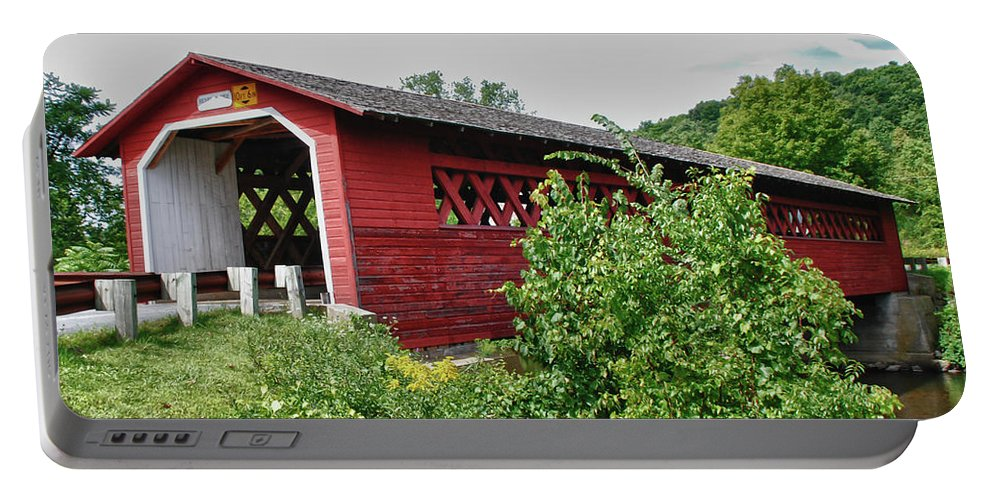 Bennington Portable Battery Charger featuring the photograph Henry Bridge 5797 by Guy Whiteley