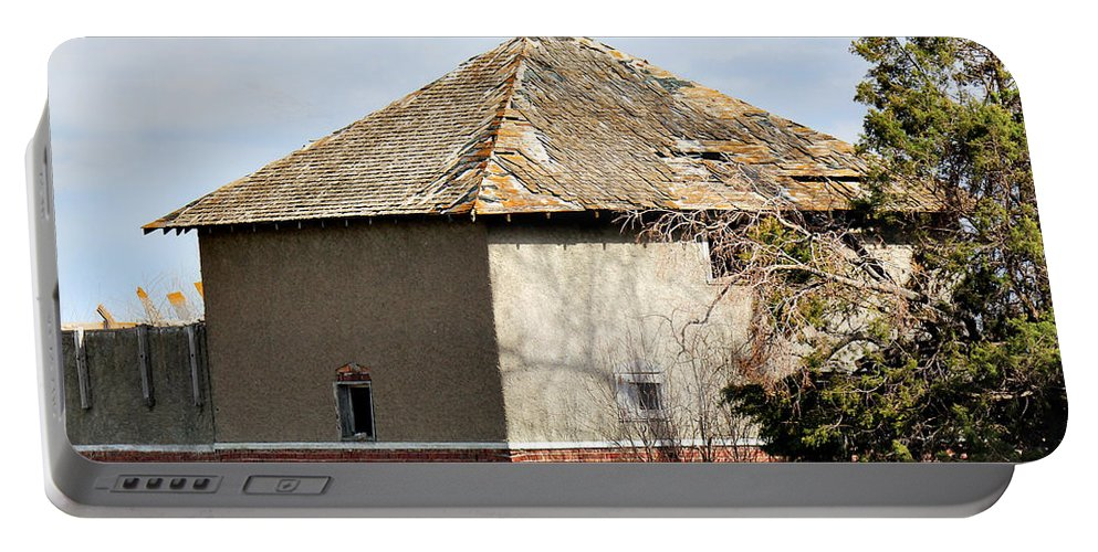 Old Barn Portable Battery Charger featuring the photograph Hip To Be Square by Sylvia Thornton