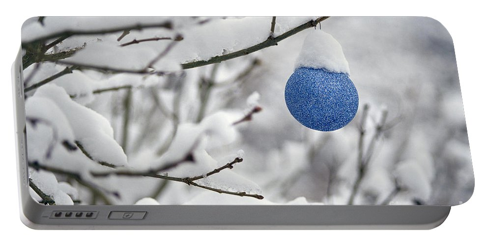 Christmas Portable Battery Charger featuring the photograph Hl03908chrstmsbll.tif by Jim Corwin