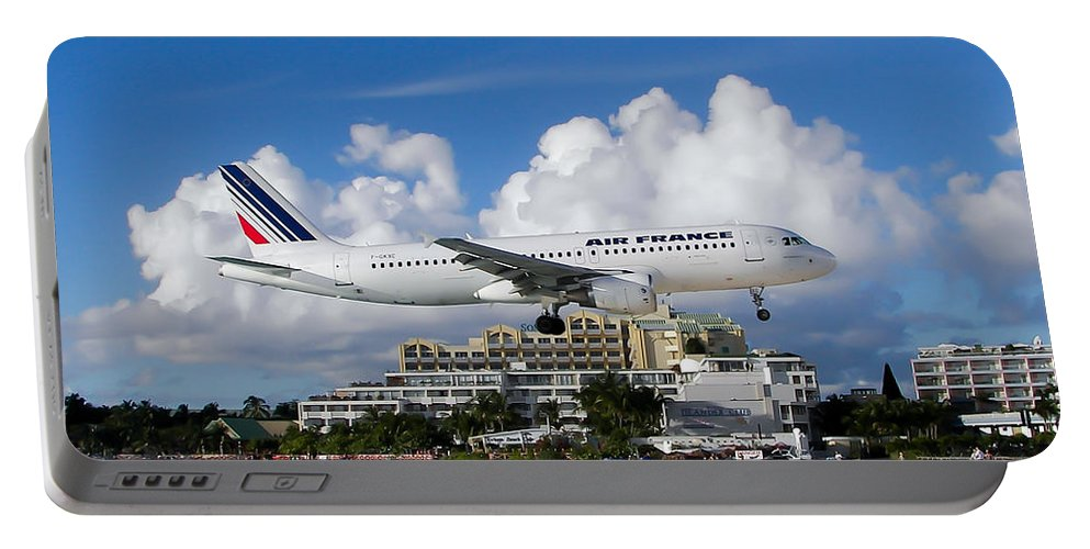 Princess Juliana International Airport Portable Battery Charger featuring the photograph Hold On by Karen Wiles