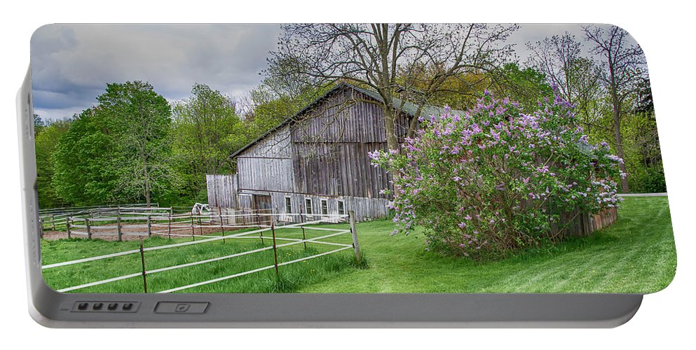 Barn Portable Battery Charger featuring the photograph Holland Barn by Guy Whiteley