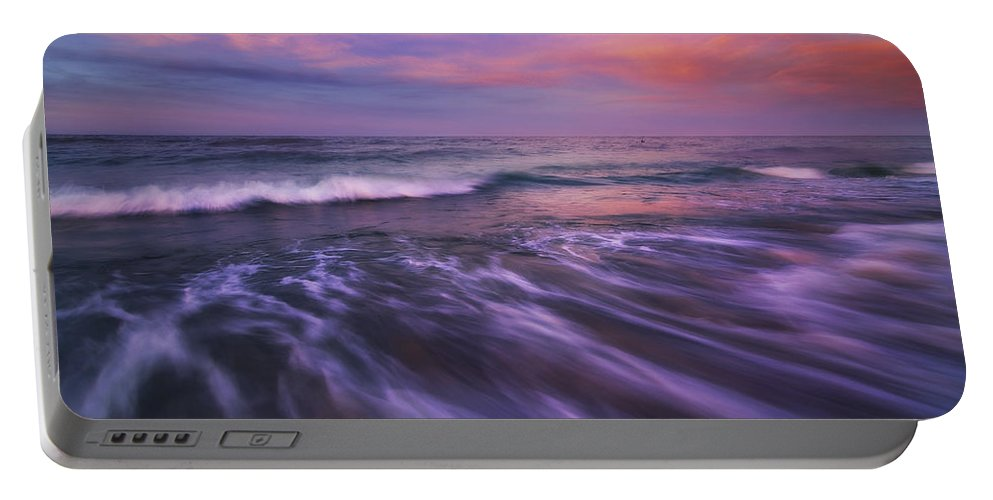 Mexico Portable Battery Charger featuring the photograph Homecoming by Peter Coskun