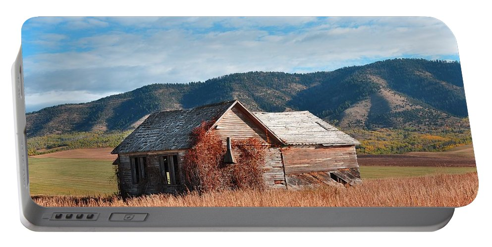 Barn Portable Battery Charger featuring the photograph Homestead by Image Takers Photography LLC - Laura Morgan