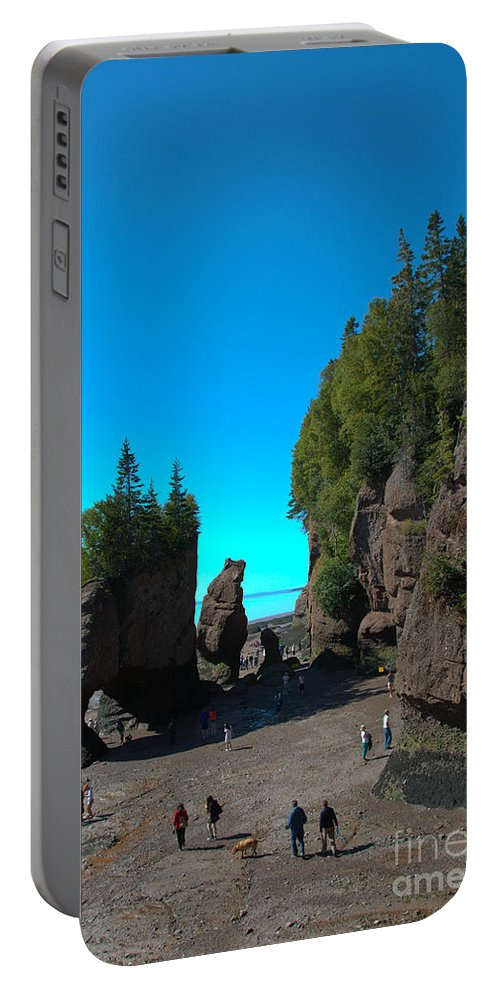 Portable Battery Charger featuring the photograph Hopewell Rocks2 by Cheryl Baxter