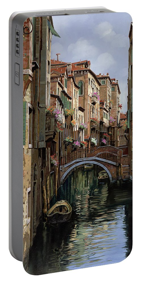 Venice Portable Battery Charger featuring the painting I Ponti A Venezia by Guido Borelli