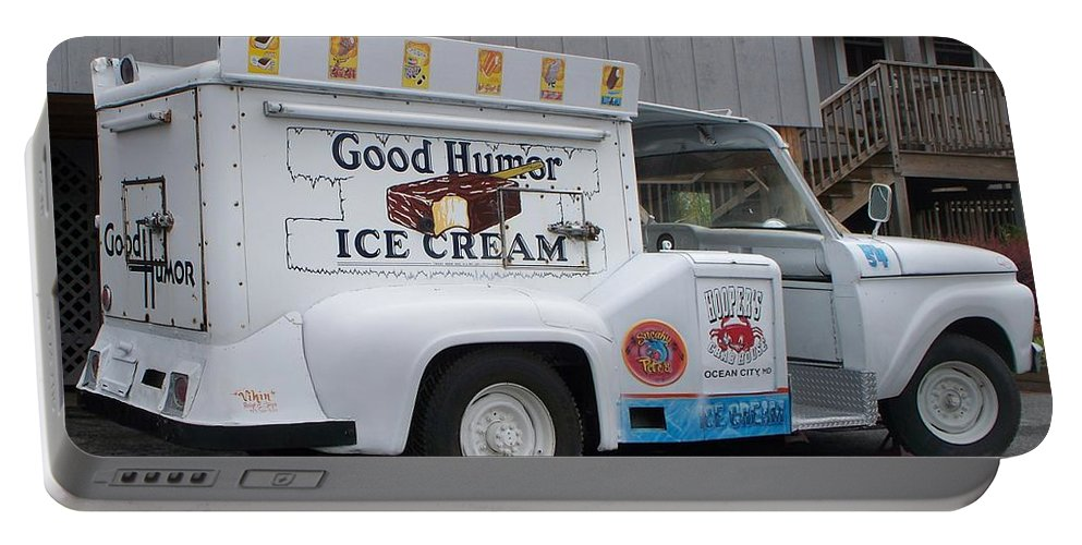 Ice Cream Truck Portable Battery Charger featuring the photograph Ice Cream Truck by Eric Schiabor
