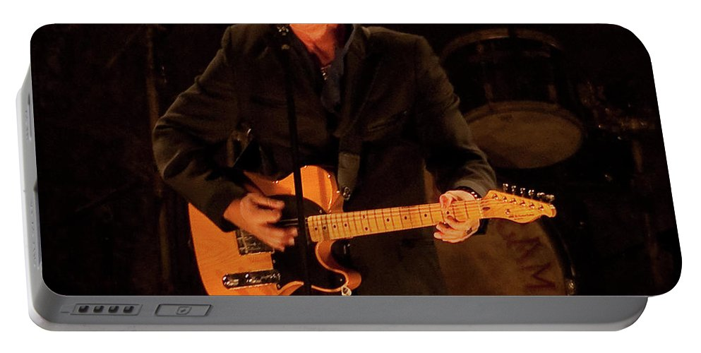 John Mellencamp Portable Battery Charger featuring the photograph John Mellencamp 516 by Timothy Bischoff