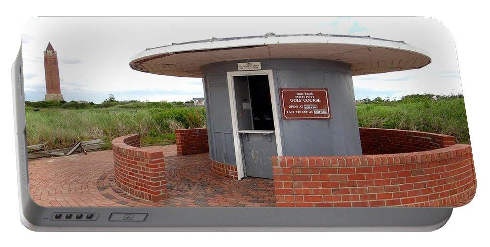 Jones Beach Portable Battery Charger featuring the photograph Jones Beach Golf by Ed Weidman