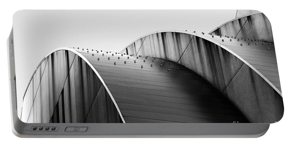 Kauffman Center For The Performing Arts Portable Battery Charger featuring the photograph Kauffman Center Black And White Curves Photography by Catherine Sherman