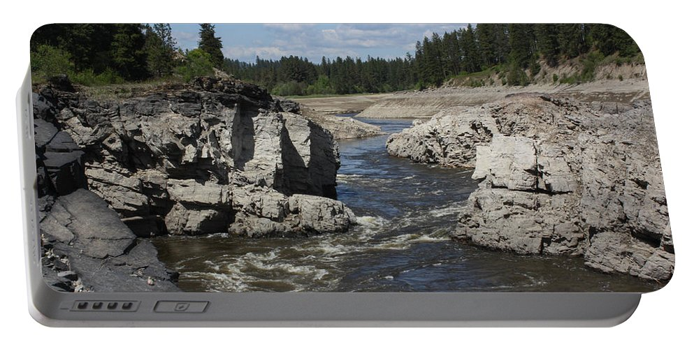 River Portable Battery Charger featuring the photograph Kettle Rocks by Jacki Smoldon