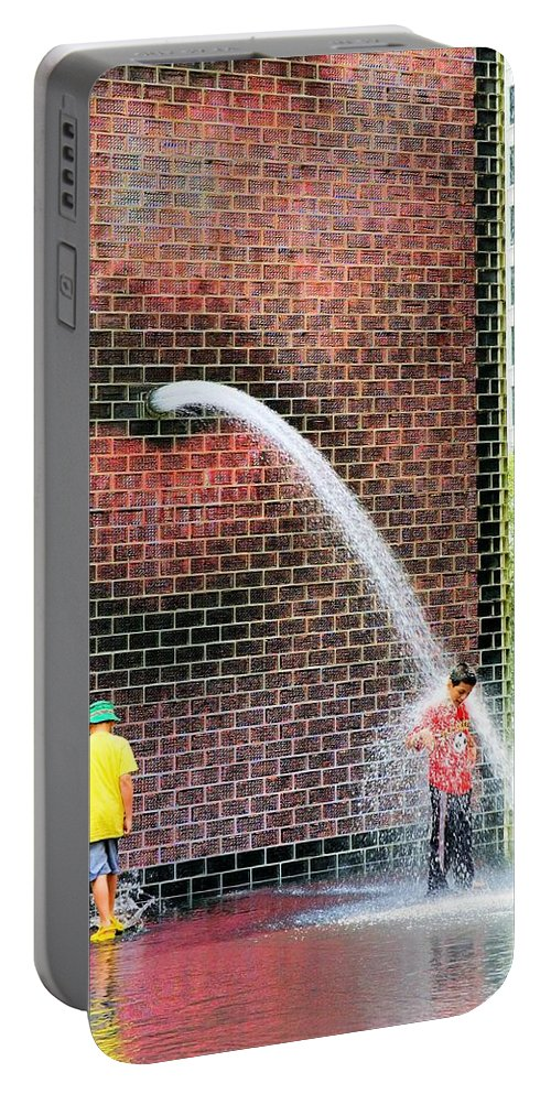 Chicago Portable Battery Charger featuring the photograph Kids Play In City Fountain by Patrick Warneka