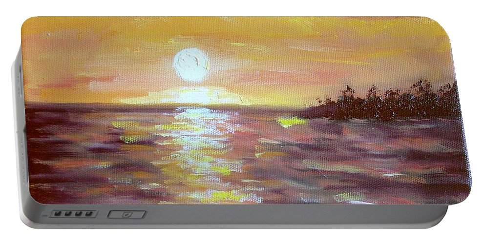 Sunset Portable Battery Charger featuring the painting Kona Sunset by Laurie Morgan
