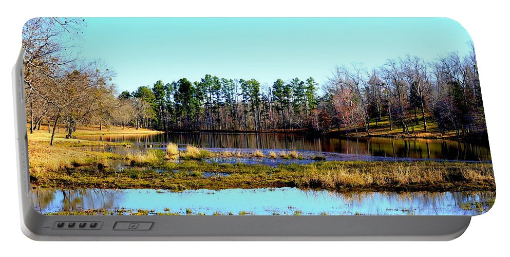 Gladewater Portable Battery Charger featuring the photograph Lake Helen Lee by Darrell Clakley