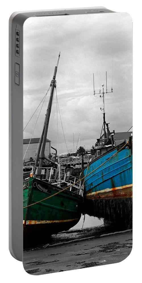Ireland Portable Battery Charger featuring the photograph Lean On Me by Krista Siddall
