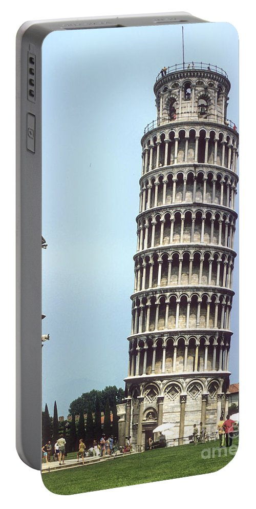 Leaning Tower Of Pisa Towers Building Buildings Structure Structures Architecture City Cities Cityscape Cityscapes Italy Landmark Landmarks Portable Battery Charger featuring the photograph Leaning Tower by Bob Phillips
