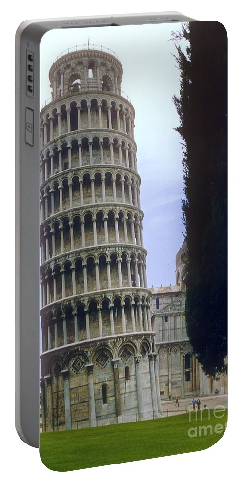 Leaning Tower Of Pisa Towers Building Buildings Structure Structures Architecture City Cities Cityscape Cityscapes Italy Landmark Landmarks Portable Battery Charger featuring the photograph Leaning Tower Of Pisa by Bob Phillips