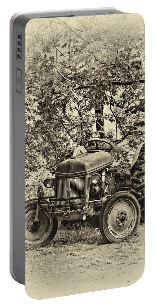 West Virginia Portable Battery Charger featuring the photograph Left Fielder Antique by Steve Harrington