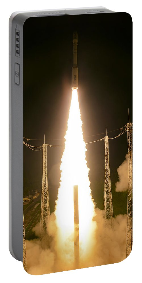 Science Portable Battery Charger featuring the photograph Liftoff Of Vega Vv06 With Lisa by Science Source