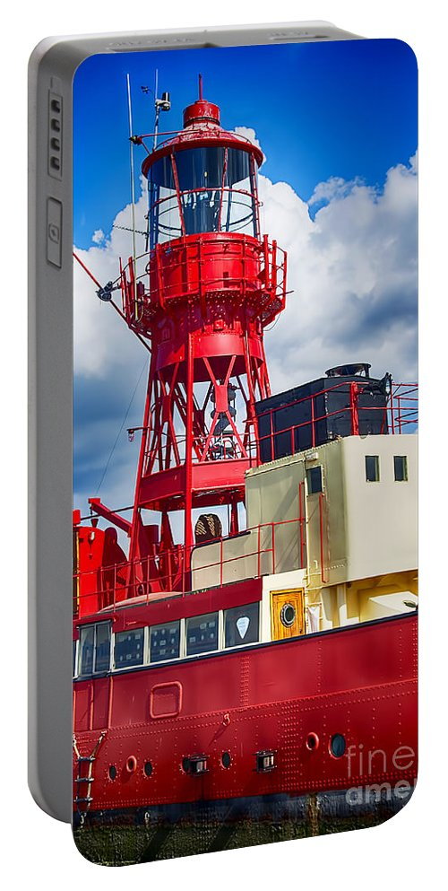 Tollesbury Lightship Canvas Portable Battery Charger featuring the photograph Lightship Lv15 Trinity by Chris Thaxter
