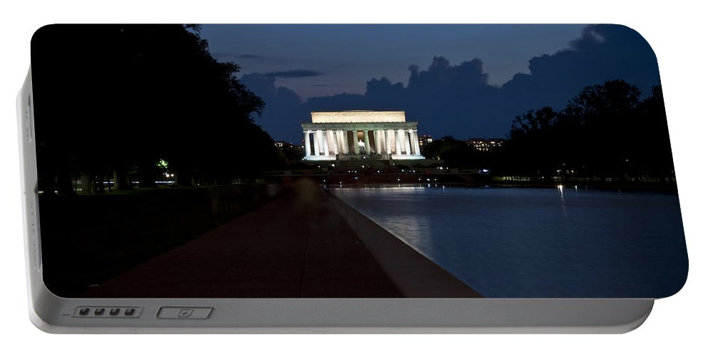 Memorial Portable Battery Charger featuring the photograph Lincoln By Night by Deborah Klubertanz