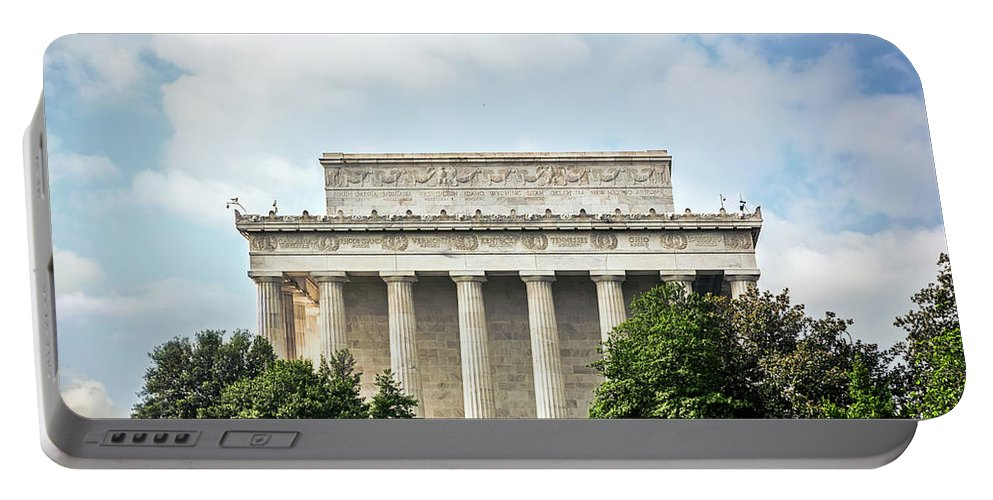 Lincoln Memorial Portable Battery Charger featuring the photograph Lincoln Memorial Side View by Sennie Pierson