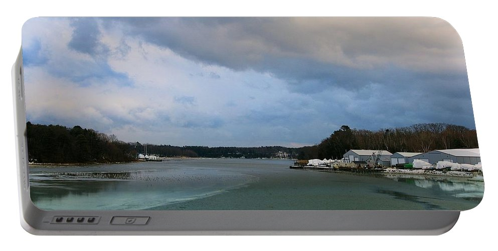 Waterscape Portable Battery Charger featuring the photograph Lowtide by Amy-Elizabeth Toomey