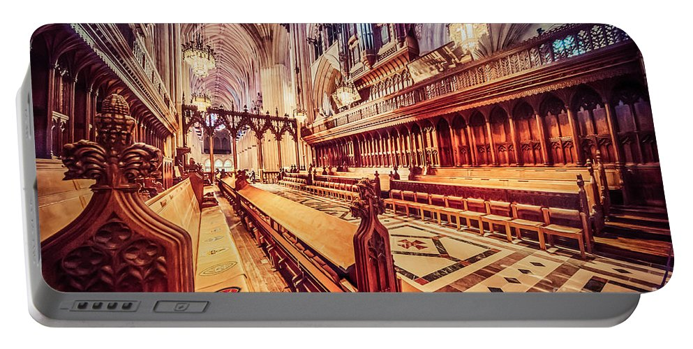 Washington Portable Battery Charger featuring the photograph Magnificent Cathedral by Ray Warren