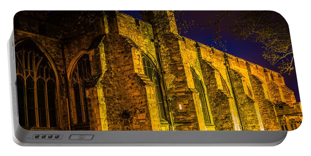 Maidstone Church Portable Battery Charger featuring the photograph Maidstone Church by Dawn OConnor