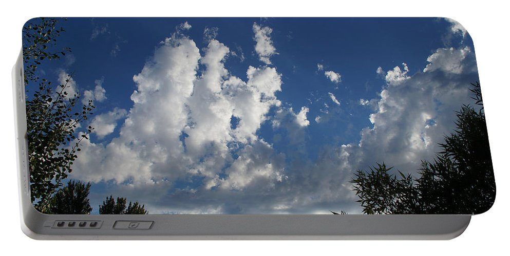 Majestic Portable Battery Charger featuring the photograph Majestic Sky - Building Cumulus by Mick Anderson