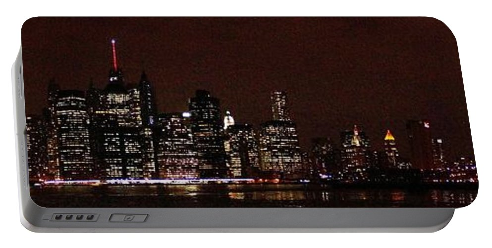 Freedom Portable Battery Charger featuring the photograph Manhattan On Super Weekend by John Wall